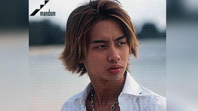 加藤晴彦が海で美女と戯れるマンダムのCM曲のタイトルは?