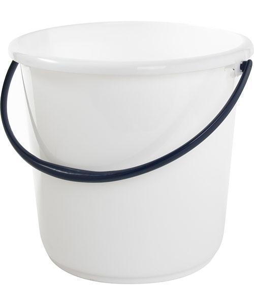 バケツは青より白がおすすめ!何かを洗う時に水の汚れがわかりやすい